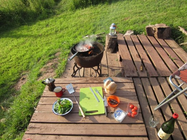cooking-on-the-fire-pit_mini