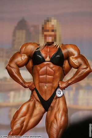 female bodybuilder weightlifting